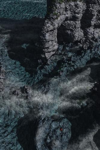 sea-hole2.jpg